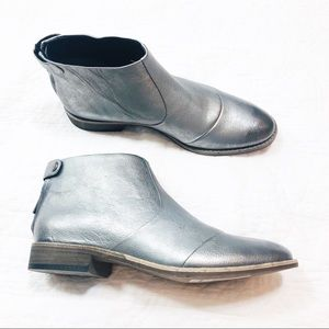 Kenneth Cole silver metallic leather ankle boots
